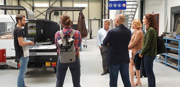 De gemeente Delft en de Metropoolregio Rotterdam Den Haag bezoeken de Betafactory